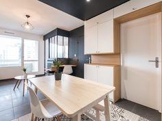 Small Apartment Interior, Small Apartments, Conference Room, Table, Furniture, Studio, Home Decor, Apartment Chic, Arredamento