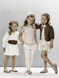 From the Pale Cloud SS13 Collection Lookbook. Lillie Dress with Lorraine Belt, Pauline Top with Darline Pants and the Jessie Dress with Grace Jacket.       http://www.pale-cloud.com  https://www.facebook.com/PaleCloudGirls  http://www.youtube.com/user/PaleCloudGirls