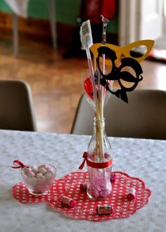 Table centre pieces and bonbons. Thanks to Clare Ravenwood for the photographs.