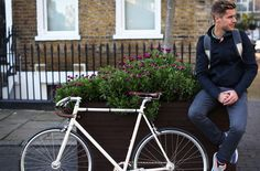 LUMO Mens Herne Hill Harrington with sculpted outer cuffs with Lycra® inner cuffs for wind proofing when cycling