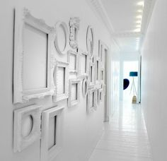 White decorating ideas, white paint colors and white picture frames add a lot of light to wall decoration ideas, creating brighter room design and decor Collage Mural, Frame Wall Collage, Painting Frames, Frames On Wall, Frames Decor, Frame Display, Framed Wall, Display Ideas, Empty Picture Frames