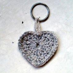 Crochet reflector virkattu heijastin Decoden, Crochet Projects, Knit Crochet, Crafty, Knitting, Crocheting, Pattern, Hearts, Diy