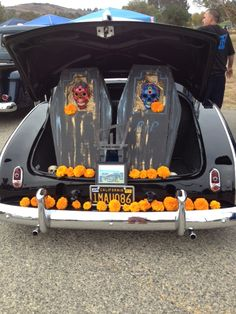 Altar in the trunk of a car
