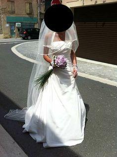 Robe de mariée sobre et élégante d'occasion en taffetas et satin