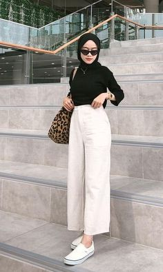Casual Hijab Outfit, Ootd Hijab, Casual Outfits, Hijab Fashion, Fashion Outfits, Moslem Fashion, Healthy Hair, What To Wear, Outfit Ideas