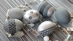 Here come six in different gray / black / silver tones Easter / decorative eggs . - Here come six Easter / decorative eggs in different gray / black / silver tones. Easter Art, Easter Bunny, Easter Eggs, Egg Crafts, Easter Crafts, Easter Games, Easter Egg Designs, Egg Art, Ornaments