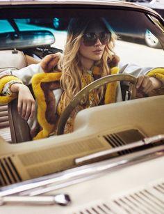 36 New Ideas Fashion Model Poses Photo Shoots Pin Up Foto Fashion, Fashion Shoot, Editorial Fashion, Trendy Fashion, Fashion Models, Dress Fashion, Car Editorial, Fashion Vintage, Style Fashion