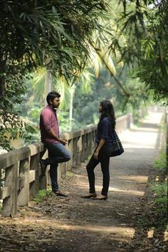 George with Celine in Premam Malayalam movie stills-Nivin Pauly,Jude Antony Joseph Movie Pic, Movie Photo, Movie Couples, Cute Couples, Madonna, Sai Pallavi Hd Images, Cute Love Cartoons, Cute Love Couple, Friends Image