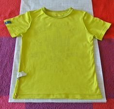 Sew T-Shirt Teken zelf een T-Shirt NaaiPatroon – Sew Natural Workshops Sewing Blogs, Sewing Hacks, Sewing Tutorials, Sewing Tips, Sewing Ideas, Diy Clothes And Shoes, Sewing Clothes, Knitting Patterns Free, Sewing Patterns