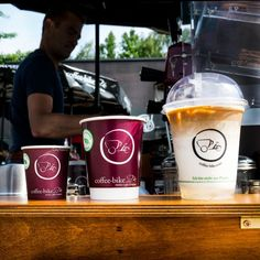 The coffee industry is growing and offers room for lucrative business models. Find out here how you can profit from this trend with the Coffee-Bike. Coffee Industry, Coffee Facts, Us Cup, Coffee Company, French Press, Catering, Brewing, Coffee Maker