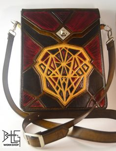 Cubistic Face in Pieces messenger bag
