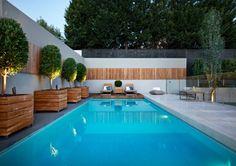 Resultado de imagen de patios grandes con piscina