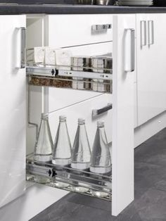 Four Seasons kitchen storage solutions - 150mm pull-out kitchen base unit