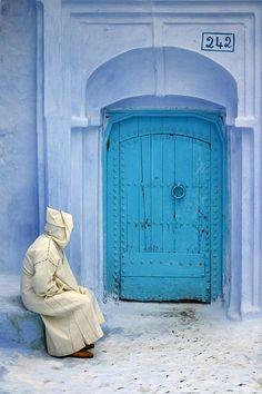 - Casablanca - Morocco More Cool Doors, The Doors, Windows And Doors, Morocco Travel, Moroccan Style, Moroccan Blue, Moroccan Doors, Door Knockers, North Africa
