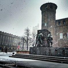 #Torino raccontata dai cittadini per #inTO  Foto di alobooom cittaditorino ❄ ❄ ❄ ❄  #torino #nice #snowing #igerstorino #i verso