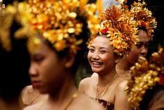 THE BEAUTY OF A SMILE - Tenganan, Bali www.facebook.com/placesbali