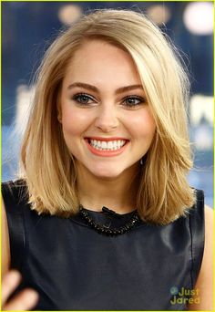 AnnaSophia Robb- love this hair cut