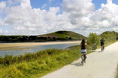 Camel Trail near Padstow, north Cornwall Days Out In Cornwall, Holidays In Cornwall, Praa Sands, Welcome Holidays, St Just, Cornish Coast, North Cornwall, Stone Fireplaces, Bude