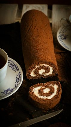 Kakaová roláda s krémom z bielej čokolády Chocolate Roll Cake, Cake Rolls, Cakes, Baking, Desserts, Recipes, Mince Pies, Tailgate Desserts, Deserts