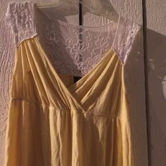 Yellow shirt with lace Gorgeous yellow summer shirt with lace back Cynthia Rowley Tops