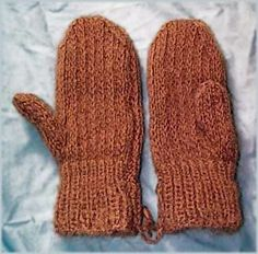 free pattern  The slip stitch pattern makes these mittens warmer than stockinette