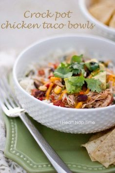 Slow cooker chicken taco bowls: easy, healthy and delicious! A family favorite. #recipes from @Jalyn {iheartnaptime.net}