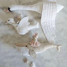Handmade Toys For Babies Softies Softies, Fabric Toys, Fabric Crafts, Sewing Toys, Diy Toys, Sewing For Kids, Handmade Toys, Handmade Baby, Art Dolls