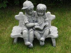 Steinfigur Junge und Mädchen mit Buch Concrete Statues, Concrete Sculpture, Concrete Stone, Painting Concrete, White Concrete, Outdoor Sculpture, Angel Garden Statues, Garden Angels, Cement Garden