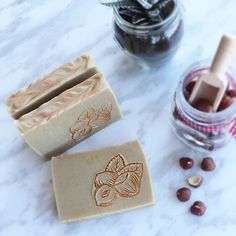 Tea trea & Hazelnut soap with Rhassoul clay.Back in Stock! With Non-Comedogenic organic oils as neem oil that controls the production of excess sebum, as well as the purifying properties of the Moriccan rhassoul clay, this is the ideal soap for oily skins and skins with imperfections.