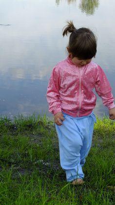 Spodnie Alladynki i Różowa bluza  z dzianiny welurowej  :)