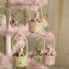 Bethany-Lowe-S-3-SPRING-EASTER-3-Resin-MINI-BUNNY-BASKET-Ornaments-3-Colors