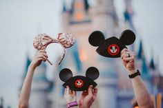 We're having a baby! Love this Disney baby announcement. Great photos to announce the new baby! The news is out, a new Disney lover is joining the family! Pregnancy Announcement Pictures, Second Baby Announcements, Maternity Pictures, Baby Pictures, Pregnancy Pictures, Baby Love, Baby Baby, Disney Maternity, Baby Number 3