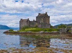 Eilean Donan Castle, Scotland jigsaw puzzle in Castles puzzles on TheJigsawPuzzles.com