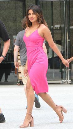 Actress Priyanka Chopra, Priyanka Chopra Hot, Bollywood Actress, Beautiful Models, Beautiful Celebrities, Priyanka Chopra Wallpaper, Miss Mundo, Indian Beauty Saree, Indian Sarees