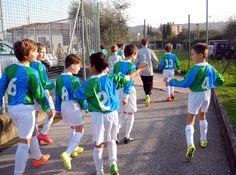 #leonidelgarda Kids Soccer, Football Boys, Kids Sports, Cute Teenage Boys, Cute Boys, Triathlon, Longest Kiss, Leoni, Kicker