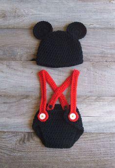 Such a cute idea for a newborn hat and diaper cover set!