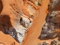 Горы и песок