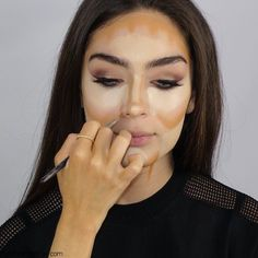 How to highlight and contour your face with makeup like a pro? - Fab Fashion Fix Beauty Makeup Tips, Beauty Skin, Beauty Hacks, Hair Beauty, Contour Makeup, Contouring And Highlighting, Eye Makeup, Contour Face, Face Contouring Tutorial