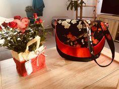 Sac Musette en rouge et noir cousu par Laeticia - Patron Sacôtin