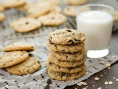 A healthier take on the classic chocolate chip cookie, this chocolate chip cookie recipe calls for Kodiak Cakes Buttermilk Power […] Ww Desserts, Healthy Desserts, Delicious Desserts, Dessert Recipes, Yummy Food, Healthy Muffins, Breakfast Recipes, Healthy Recipes, Cake Mix Recipes
