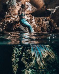 Mermaid Artwork, Mermaid Pictures, Mermaid Drawings, Mermaid Paintings, Fantasy Mermaids, Real Mermaids, Mermaids And Mermen, Fantasy Photography, Underwater Photography
