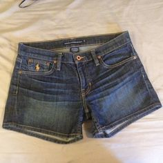 Ralph Lauren denim shorts Ralph Lauren Denim shorts. They stretch a little. True to size. 99% cotton. 1% elastane. Offers Welcome. Ralph Lauren Shorts