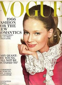Know your fashion history? Then test it out with this look at vintage Vogue magazine covers from the and 60s Vintage Clothing, Mode Vintage, Vintage Fashion, Vintage Models, Vintage Style, Patti Hansen, Lauren Hutton, 60 Fashion, Fashion Images