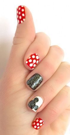 This step-by-step tutorial on how to create this cute nail art design is a must for any Disney lover! We can't wait to give it a try Disney Nails Nail Art Disney, Easy Disney Nails, Disney Manicure, Disney Acrylic Nails, Disney Inspired Nails, Minnie Mouse Nails, Mickey Mouse Nail Art, Cute Nail Art Designs, Disney Nail Designs