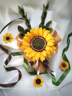 Check out the tutorial about how to make felt flowers at S Nuraeni YouTube Channel Felt Flower Bouquet, Sunflower Bouquets, Felt Flowers, Floral Wreath, Channel, Wreaths, Summer, Youtube, Plants