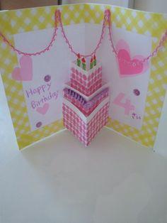 何となく家にある画用紙とマスキングテープで作り始めたバースデーカード。 お友達の子供の女の子が4歳を迎えるので♪ あ~、女の子って色々...