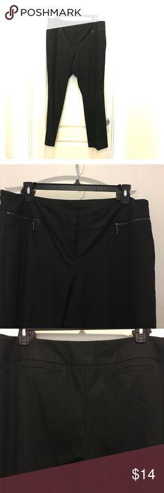 ⬇️💲🌸Worthington🌹 black pants18W gently worn 🌹Worthington Woman Modern Fit🌹 black slacks . Fits lower on the waste. 18W gently worn. See photos Worthington Pants Trousers