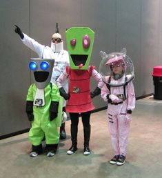 Enjoy an Awesome Group Cosplay Dump, Group Cosplay, Robot Costumes, Halloween Rocks, Invader Zim, Wii U, Vintage Style Outfits, Outfits For Teens, Xbox One, Minions