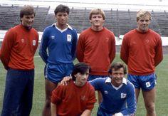August 1983 / New summer signings for CHELSEA FC: (Rear L-R) EDDIE NIEDZWIECKI, JOE McLAUGHLIN, NIGEL SPACKMAN, KERRY DIXON. (Front L-R) PAT NEVIN, JOHN HOLLINS.