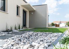 Garage Doors, Outdoor Decor, Home Decor, Modern Mansion, Interior Design, Home Interior Design, Home Decoration, Decoration Home, Interior Decorating